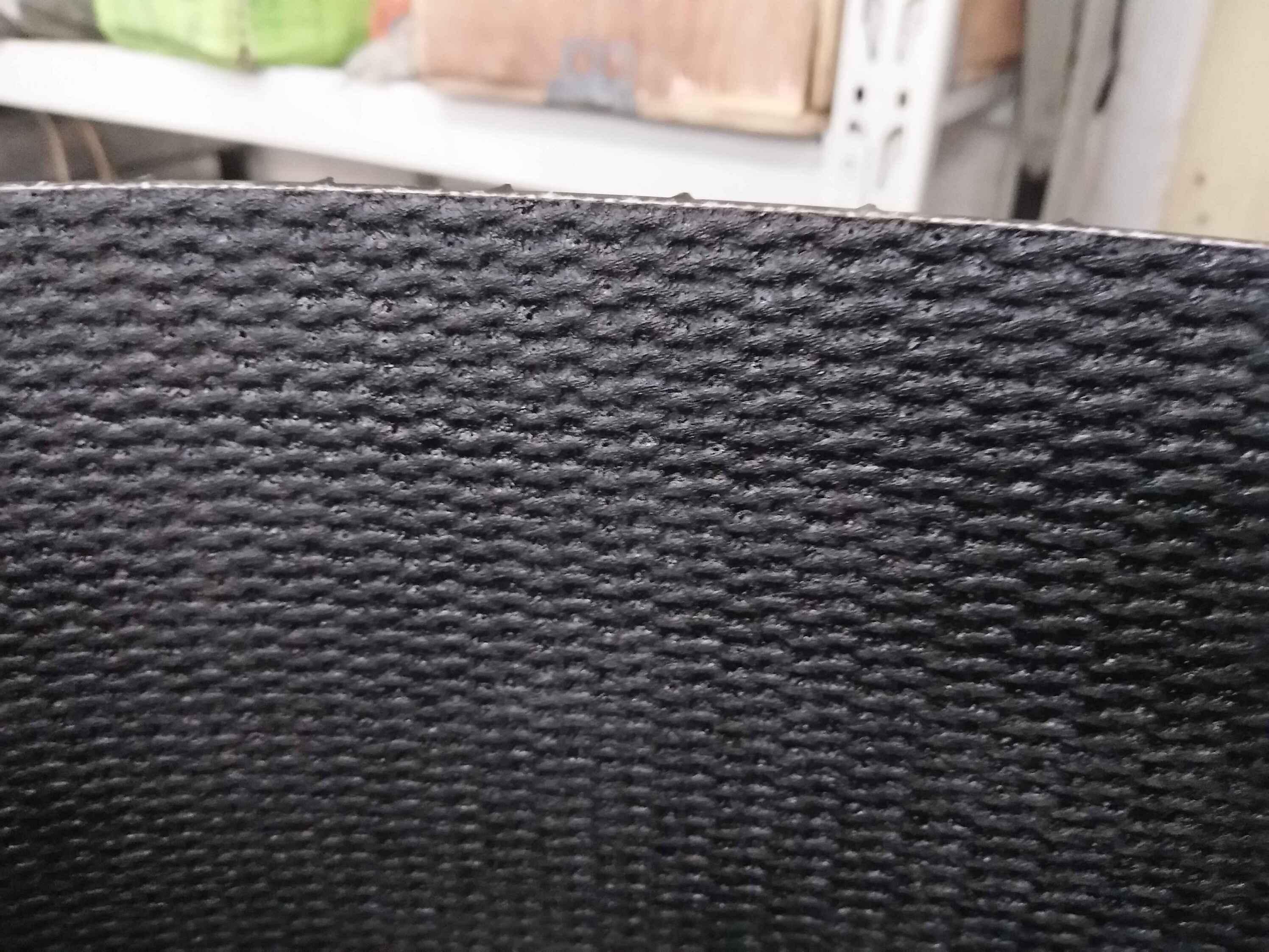 Crescent top chevron - PVK conveyor belt with PU surface
